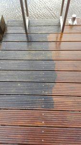 groene aanslag verwijderen hout